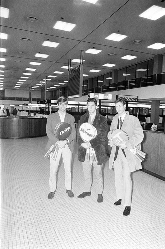 1968-12-12 - FRED HEMMES, JAN HORDIJK en PAUL van MIN (v.l.n.r.) voor een periode van ongeveer 33